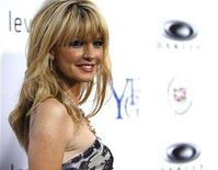 """<p>Cast member Kathryn Morris attends the premiere of """"Resurrecting the Champ"""" at the Samuel Goldwyn theatre in Beverly Hills, California, August 22, 2007. REUTERS/Mario Anzuoni</p>"""