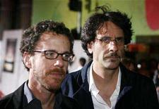 "<p>Ethan (L) and Joel Coen arrive at the premiere of ""No Country For Old Men"" in Hollywood November 4, 2007. REUTERS/Max Morse</p>"