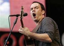 <p>The Dave Matthews Band performs during the Live Earth New York concert in East Rutherford, July 7, 2007. In recent weeks, two of the more high-profile acts that weren't selling their music as ringtones have given in. And in both cases, AT&T Mobility is involved. REUTERS/Mike Segar</p>