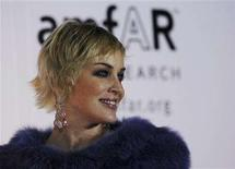 <p>Sharon Stone arrives for the inaugural Cinema Against AIDS Dubai event, held in association with Dubai International Film Festival, to benefit amfAR, the American Foundation to AIDS Research, December 10, 2007. REUTERS/Jumana El Heloueh</p>