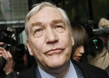 <p>Conrad Black leaves the Dirksen Federal Courthouse after his sentencing hearing in Chicago, December 10, 2007. REUTERS/John Gress</p>