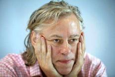 <p>O cantor irlandês e ativista contra a pobreza, Bob Geldof, durante coletiva de imprensa em imagem de arquivo. Geldof aderiu ao debate sobre o aquecimento global defendendo, na quinta-feira, uma ampliação imediata no uso da energia nuclear e descrevendo as fontes renováveis de energia como uma resposta 'de faz-de-conta' à crise climática. Photo by Scanpix</p>