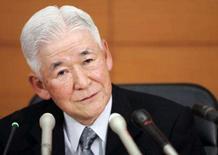 <p>O presidente do banco central do Japão, Toshihiko Fuku. O Banco do Japão deixou estável sua taxa de juro nesta quinta-feira e reduziu sua visão da economia pela primeira vez em três anos, afirmando que o crescimento irá desacelerar. Photo by Michael Caronna</p>
