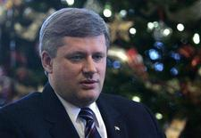 <p>Canada's Prime Minister Stephen Harper speaks during an interview at 24 Sussex Drive, his official residence, in Ottawa, December 18, 2007. REUETRS/Chris Wattie</p>