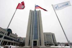 <p>Здание главного офиса Газпрома в Москве. 2 января 2006 года. Решение о корректировке НДПИ на газ, означающее рост налоговой нагрузки, в частности, на Газпром, может появиться не ранее первого квартала 2008 года, сказал Рейтер во вторник источник в Минэкономразвития. (REUTERS/Alexander Natruskin)</p>
