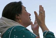 <p>A líder da oposição paquistanesa Benazir Bhutto, assassinada na quinta-feira num ataque suicida em Rawalpindi, sabia muito bem dos riscos que estava correndo ao decidir retomar uma campanha pública pela restauração da democracia no Paquistão. Photo by Petr Josek</p>