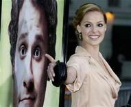 "<p>Katherine Heigl gestures at the premiere of ""Knocked Up"" in Los Angeles, California May 21, 2007. REUTERS/Fred Prouser</p>"