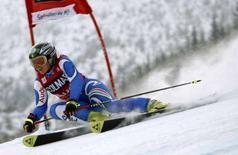 <p>Un momento della gara di oggi di Denise Karbon. REUTERS/Petr Josek(CZECH REPUBLIC)</p>
