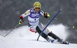 <p>L'austriaca Marlies Schild nello slalom di Spindleruv Mlyn, nella Repubblica ceca, 6 gennaio 2008. REUTERS/Petr Josek</p>