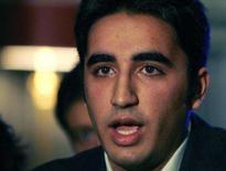 <p>Aos 19 anos de idade, Bilawal Bhutto Zardari, filho da ex-premiê paquistanesa assassinada Benazir Bhutto, disse na terça-feira que pretende seguir os passos da mãe na política, mas ressaltou que primeiro quer concluir seus estudos. Ele pediu à imprensa que o deixe em paz. Photo by Luke Macgregor</p>