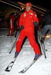 <p>O piloto da Ferrari Felipe Massa se prepara para descida de esqui no retiro de inverno da Ferrari, em Madonna Di Campiglio, no norte da Itália, em foto de arquivo. Photo by Giampiero Sposito</p>