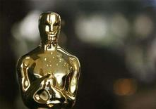 <p>An Oscar statuette in a file photo. A day after the writers strike pulled the rug out from under the Golden Globes, Oscar organizers said Tuesday that preparations for the biggest night on Hollywood's calendar are already behind schedule. REUTERS/Gary Hershorn</p>