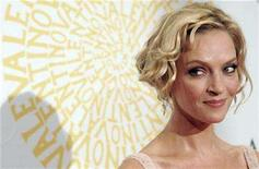 <p>Uma Thurman poses at the red carpet as she arrives for Valentino's gala dinner at Villa Borghese park in Rome July 7, 2007. REUTERS/Dario Pignatelli</p>