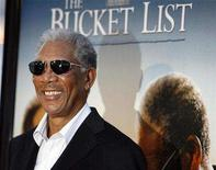 "<p>Morgan Freeman poses at the premiere of ""The Bucket List"" at the Cinerama Dome in Los Angeles December 16, 2007. After two weeks in limited release, the Jack Nicholson-Morgan Freeman comedy ""The Bucket List"" hopes to end the reign of ""National Treasure: Book of Secrets"" at the North American box office. REUTERS/Mario Anzuoni</p>"