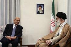 <p>O supremo líder aiatolá Ali Khamenei se encontra com o chefe da AIEA, Mohamed ElBaradei. O Irã concordou em esclarecer em um mês as questões pendentes sobre seu programa nuclear, informou a Agência Internacional de Energia Atômica no domingo. 12 de janeiro. Photo by Stringer</p>