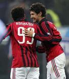 <p>Atacantes do MIlan Ronaldo e Alexandre Pato comemoram após gol do primeiro na vitória de 5 x 2 da equipe sobre o Napoli, no domingo. Photo by Daniele La Monaca</p>