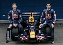 <p>Dupla da Red Bull David Coulthard (esquerda)) e Mark Webber posam na apresentação do novo carro RB4, em Jerez, na Espanha. Photo by Marcelo Del Pozo</p>