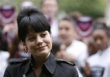 <p>British singer Lily Allen poses for photographs with school children in Parliament Square in London, July 11, 2007. Allen has had a miscarriage, a source close to the British singer told Reuters on Friday. REUTERS/Stephen Hird</p>