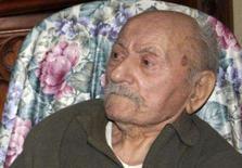 <p>Morre aos 110 o homem mais velho da França, veterano da Primeira Guerra Mundial, que recusou medalha de honra e falava vigorosamente sobre os horrores da guerra. Agora resta apenas um veterano vivo no país. Photo by Reuters (Handout)</p>