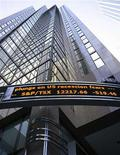 <p>A sign showing the level of the TSX is seen on a downtown Toronto building January 21, 2008. Canada's main stock market index plunged to its lowest level in more than 14 months, following a rout in overseas markets, as persisting worries over the wellbeing of the U.S. economy sent investors running for the doors. REUTERS/Peter Jones</p>