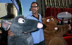 "<p>Actor Brad Garrett poses with characters from Pixar's film ""Ratatouille"" at its premiere in Hollywood, California June 22, 2007. Rotten Tomatoes on Monday hailed ""Ratatouille"" as its best-reviewed wide-release movie of 2007. REUTERS/Mark Avery</p>"