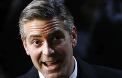 <p>Foto de archivo del actor nominado al Oscar, George Clooney, en Nueva York (1/22/08). 'No Country For Old Men', una meditación violenta del declive de la moral, y 'There Will Be Blood', un drama sobre un pionero petrolero de California, lideran las nominaciones para la 80 entrega de los Premios de la Academia, dijeron el martes los organizadores. Photo by Lucas Jackson/Reuters</p>