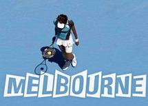 <p>Venus Williams in campo contro la serba Ana Ivanovic a Melbourne. REUTERS/Steve Holland</p>
