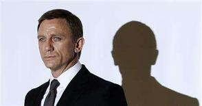 "<p>Actor Daniel Craig who plays James Bond poses during a photocall at Pinewood Studios to mark the start of production of the 22nd James Bond film, ""Quantum of Solace"", in Buckinghamshire, north of London January 24, 2008. REUTERS/Stephen Hird</p>"