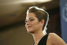 <p>Actress Marion Cotillard poses at the 60th Annual Directors Guild of America Awards in Century City, California, January 26, 2008. REUTERS/Mario Anzuoni</p>