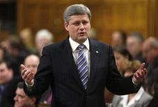 <p>Canada's Prime Minister Stephen Harper stands to speak during Question Period in the House of Commons on Parliament Hill in Ottawa January 30, 2008. REUTERS/Chris Wattie</p>