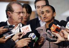 <p>A ministra do Meio-Ambiente, Marina Silva, fala a repórteres ao lado do ministro da Justiça, Tarso Genro, sobre desmatamento na Amazônia, em Brasília, 30 de janeiro. Especialistas disseram nesta quinta-feira que o governo não tem disposição nem capacidade para conter a devastação. Photo by Jamil Bittar</p>