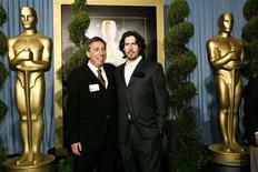 <p>Director Ivan Reitman (L) arrives with his son, Oscar nominated director Jason Reitman at the 80th annual Academy Awards Nominee Luncheon in Beverly Hills, California February 4, 2008. REUTERS/Mario Anzuoni</p>