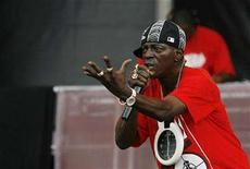 "<p>Singer Flavor Flav performs with the band Public Enemy during the ""Rock The Bells"" Festival in New York July 28, 2007. REUTERS/Lucas Jackson</p>"