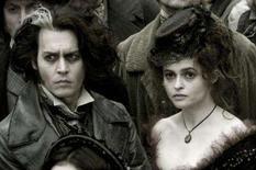 <p>O ator Johnny Depp (esq) e a atriz Helena Bonham em cena do filme 'Sweeney Todd: O Barbeiro Demoníaco da Rua Fleet', de Tim Burton, inspirado em um musical de Stephen Sondheim, foi encenado na Broadway pela primeira vez em 1979. O longa, que estréia na sexta-feira no país, concorre a três Oscar. Photo by Reuters (Handout)</p>