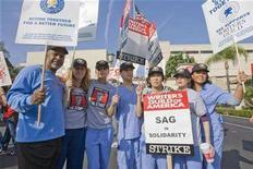 "<p>File photo shows ""Grey's Anatomy"" cast members on the picket line of the Writers Guild of America in front of the Prospect Studios in Los Angeles, California, November 7, 2007. Grey's is among other shows industry executives say will likely take eight weeks to restore to prime time once the strike ends. REUTERS/Hector Mata</p>"