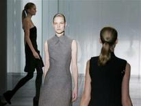 <p>Models present creations for Calvin Klein's 2008/2009 Fall/Winter collection during New York Fashion Week February 7, 2008 . REUTERS/Shannon Stapleton</p>