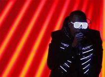 "<p>Kanye West performs ""Stronger"" at the 50th Annual Grammy Awards held in Los Angeles, California February 10, 2008. REUTERS/Mike Blake</p>"
