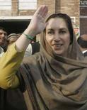 <p>Benazir Bhutto in una foto d'archivio. REUTERS/Faisal Mahmood(PAKISTAN)</p>