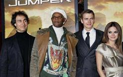 <p>Director Doug Liman and actors Samuel L. Jackson, Hayden Christensen and Rachel Bilson attend the premiere of the movie Jumper at the Zeigfeld Theater in New York, February 11, 2008. REUTERS/Marko Georgiev</p>