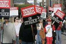 <p>File photo shows members of the Writers Guild of America carrying signs on the picket line at NBC studios in Burbank, California February 8, 2008. REUTERS/Fred Prouser</p>