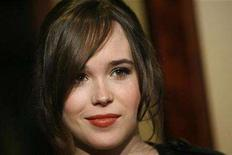 <p>Ellen Page poses at the 60th Annual Directors Guild of America Awards in Century City, California on January 26, 2008. REUTERS/Mario Anzuoni</p>