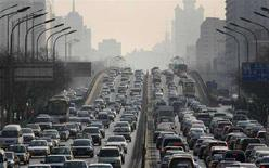 <p>Auto nel traffico a Pechino. REUTERS/Reinhard Krause/Files</p>