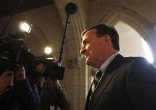 <p>Canada's Finance Minister Jim Flaherty arrives to speak to journalists following Question Period on Parliament Hill in Ottawa February 11, 2008. REUTERS/Chris Wattie</p>