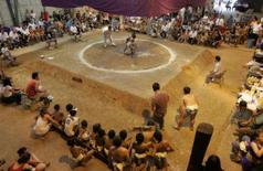 <p>Visão geral de ringue da 1a Copa Sulamérica de Sumô em São Paulo, 23 de fevereiro. Cerca de 300 crianças e jovens da América do Sul até 18 anos de idade participam da competição. Photo by Paulo Whitaker</p>
