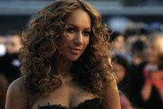 <p>Singer Leona Lewis arrives at the Brit Awards at Earls Court in London February 20, 2008. REUTERS/Luke MacGregor</p>