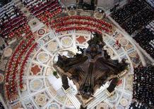 """<p>Месса """"Pro Eligendo Papa"""" в соборе Святого Петра в Ватикане, 18 апреля 2005 года.</p>"""