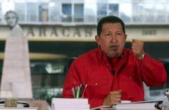 <p>O presidente venezuelano, Hugo Chávez, durante programa semanal 'Alo Presidente' em Caracas. A Venezuela preparava na segunda-feira os planos de logística para mobilizar tropas de na fronteira com a Colômbia. Photo by Reuters (Handout)</p>