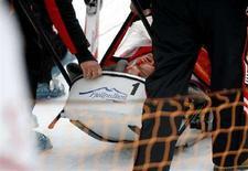 <p>Lo sciatore austriaco Matthias Lanzinger dopo la caduta a Kvitfjell, in Norvegia. REUTERS/Knut Falch/Scanpix Norway</p>