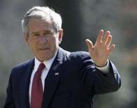 <p>O presidente dos EUA, George W. Bush, em imagem de arquivo. Bush afirmou na terça-feira que continua otimista sobre um possível acordo de paz entre israelenses e palestinos até o fim de seu mandato. Photo by Jason Reed</p>