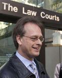 "<p>Canada's ""Prince of Pot"", Marc Emery talks with media outside court in Vancouver, British Columbia March 5, 2008. REUTERS/Andy Clark</p>"